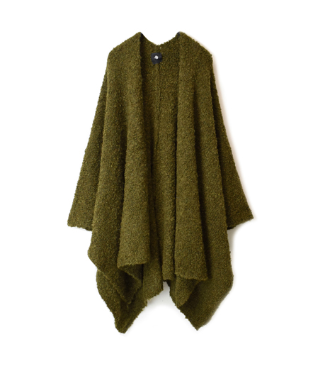 CNMDS1761A ALPACA/WOOL BOUCLE CAPE WITH PIN